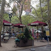 Photo taken at The Reading Room - Bryant Park by Chris G. on 9/13/2014