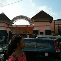 Photo taken at Pasar Tawangmangu by Taufiq M. on 8/5/2014
