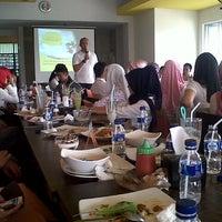 Photo taken at Soerabi Bandung ENHAii by biibii on 3/1/2014