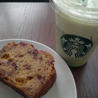 Photo taken at Starbucks by Runes N. on 11/10/2012