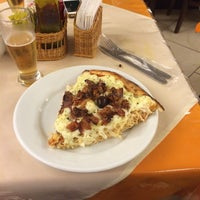 Photo taken at Clube da Pizza by Roberto on 10/28/2015