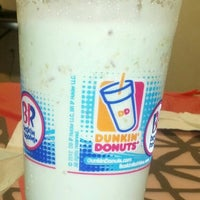 Photo taken at Dunkin' Donuts by Emm B. on 3/25/2013
