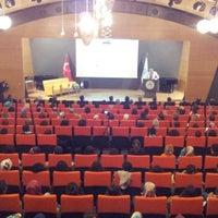 Photo taken at Üsküdar Üniversitesi Nermin Tarhan Konferans Salonu by Baybars T. Y. on 10/9/2013