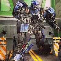 Photo taken at Transformers The Ride: The Ultimate 3D Battle by Aileen Y. on 1/25/2013