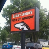 Photo taken at Little Caesars Pizza by Alicia C. on 5/26/2012