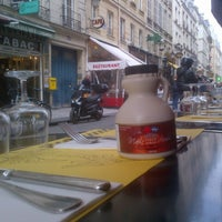 Photo taken at Drôle d'Endroit pour une Rencontre by Mathieu R. G. on 9/2/2012