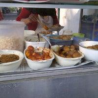 Photo taken at Nasi Uduk Serayu by Bang M. on 2/15/2012