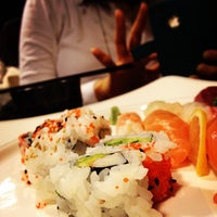 Photo taken at Japanese Cuisine 하나 by Crow L. on 2/14/2012