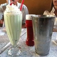 Photo taken at Jeffrey's Hamburgers by Caroline on 8/15/2012