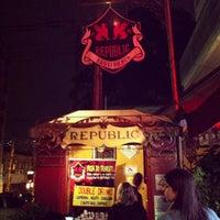 Photo taken at Republic Pub by Du D' Elboux Jr on 4/28/2012