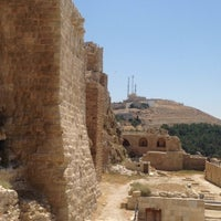 Photo taken at Karak Castle قلعة الكرك by Usame Ş. on 8/16/2014
