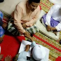 Photo taken at Masjid Al-Ansar, Changkat Lada by Hafiz A. on 8/1/2014