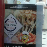 Photo taken at Leve Pizza by Eder S. on 3/22/2014