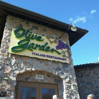 Photo taken at Olive Garden by Dan P. on 11/11/2016
