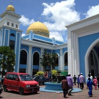 Photo taken at Masjid Al Rahimah Kuala Kubu Bharu by Mazzri Akmal A. on 3/9/2012