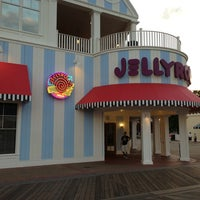 Photo taken at Jellyrolls by George H. on 3/19/2013