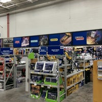 Photo taken at Lowe's Home Improvement by Chris B. on 5/13/2014