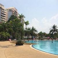 Photo taken at Jomtien View Talay  Condominiums Pattaya by SIRIWIMOL C. on 4/16/2015