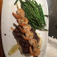 Photo taken at Red Lobster by Eric C. on 2/15/2016