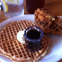 Photo taken at Lo-Lo's Chicken & Waffles by Keri G. on 7/4/2013