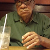 Photo taken at Pizza Hut by Rafael D. on 5/3/2014