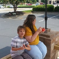 Photo taken at Bruster's Real Ice Cream by Robert G. on 7/28/2013