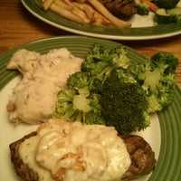 Photo taken at Applebee's by Marseda M. on 5/29/2014