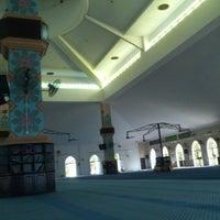 Photo taken at Masjid Al Rahimah Kuala Kubu Bharu by Shah@Aprilia on 7/17/2013