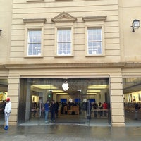 Photo taken at Apple SouthGate by Mike B. on 1/21/2013