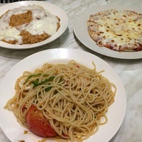Photo taken at Pizza Milano by Aqied S. on 5/21/2014