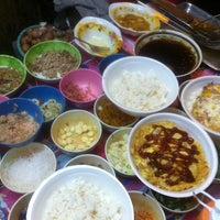 Photo taken at ร้านอาหารตามสั่ง + ไข่เจียว ใต้หอ U Place by Jameskung on 12/21/2012