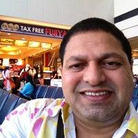 Photo taken at Narita Airport First Class Checkin Counter by Bir Singh on 5/1/2013