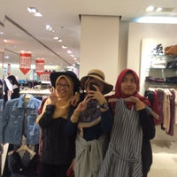 Photo taken at Forever 21 by Nurul A. on 9/1/2015