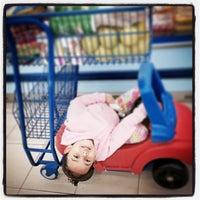Photo taken at Supermercado Santa Lúcia BR by Adriano F. on 4/29/2015