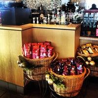 Photo taken at Starbucks by Cassaundra H. on 11/13/2012