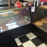 Photo taken at Lindsey's Bakery by Tahrea M. on 5/21/2016