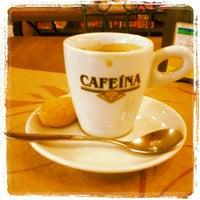 Photo taken at Cafeína by Auyri F. on 11/28/2012