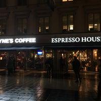 Photo taken at Wayne´s Coffee by Sam T. on 10/25/2016