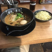 Photo taken at 河童ラーメン本舗 寝屋川店 by うぃんすとん 赫. on 9/26/2016