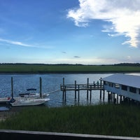 Photo taken at Bowen's Island Restaurant by Nicole B. on 8/6/2016