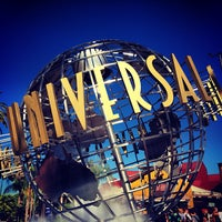 Photo taken at Universal Studios Hollywood Globe and Fountain by Cristian on 10/16/2013