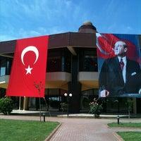 Photo taken at Fenerbahçe Orduevi by Gulay D. on 5/19/2013