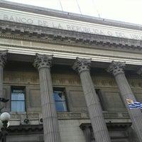 Photo taken at Banco República by Andanças d. on 6/10/2016