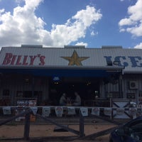 Photo taken at Billy's Ice by Yext Y. on 7/26/2016