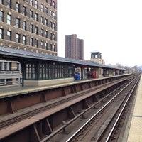 Photo taken at Metro North - Harlem - 125th Street Station by Matthew🗽 on 10/19/2013