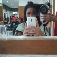 Photo taken at Flaurent Salon and Spa by Ntin A. on 5/22/2014