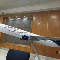 Photo taken at Oficinas Corporativas Aeroméxico by Laurie G. on 10/6/2016