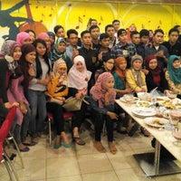 Photo taken at Bakmi Golek Lippo Cikarang by ida l. on 7/13/2014