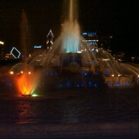 Photo taken at Clarence Buckingham Memorial Fountain by Anna P. on 8/13/2012