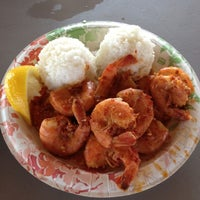Photo taken at Giovanni's Shrimp Truck by Really 5. on 7/25/2012
